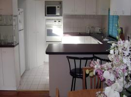 Accommodation Sydney North - Forestville 4 bedroom 2 bathroom house