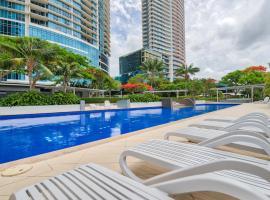 Luxury Facilities near Seaworld and Surfers