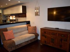 Murray Hill Apartment Sleeps 9