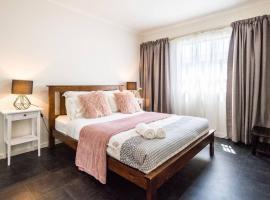 Executive 3 Bedroom Apartment + Internet + Parking