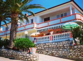 Ferienwohnungen-mit-Garten-Whirlpool-Marija-Skoblar-Insel-Rab-Kroatien