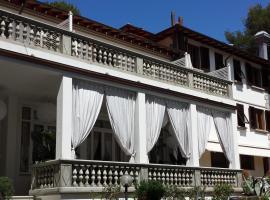 地勒尼安海酒店, 卡斯蒂利翁切洛