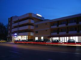 尤洛普里斯酒店, 图尔恰