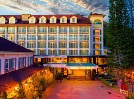 金马仑高原世纪松园度假酒店,位于金马仑高原的酒店
