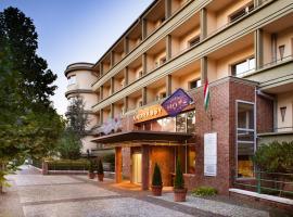布达佩斯安德赛玛麦森酒店
