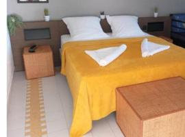 Grand studio super équipé au Manganao vue mer,位于圣弗朗索瓦的酒店