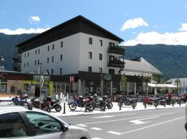 阿尔普酒店, 博维茨
