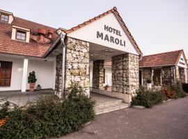 米库洛夫莫洛里酒店, 米库洛夫