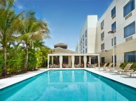 西棕榈海滩机场希尔顿花园酒店