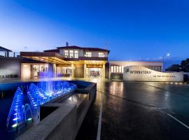 Swan River Hotel