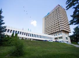 因图日斯特酒店