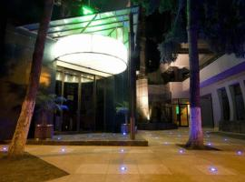 Europa Hotel, 博托沙尼
