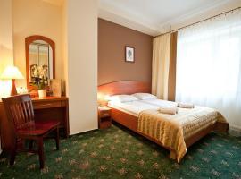 兹罗提林酒店