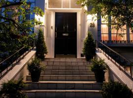 道森广场朱丽叶住宿加早餐旅馆,位于伦敦波多贝罗路市集附近的酒店
