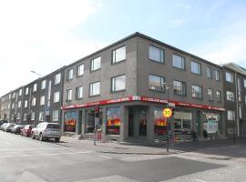 100冰岛酒店
