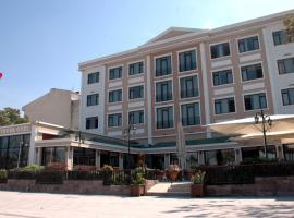 大木马酒店