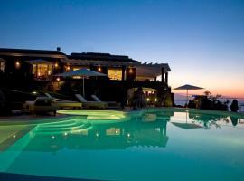 巴贾洛丽亚度假酒店, 卡斯特尔萨多