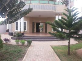 圣保罗斯酒店, Adido Gomé (Adaklu Anyigbe附近)