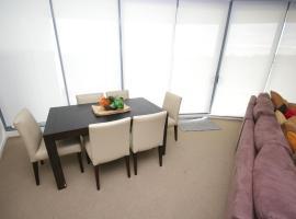 城堡山自助式现代三卧室公寓(503 PEN)