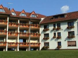 博格瓦尔道酒店