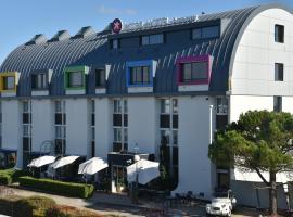 第戎南阿莫尼因特酒店, 切诺维