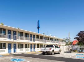 里诺 6号汽车旅馆-Virginia Plumb