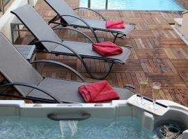 加纳加利亚酒店