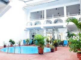 Hotel Garden House, 伊基托斯