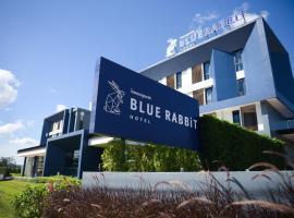 蓝兔酒店, 尖竹汶