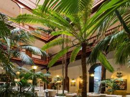 莫纳波尔酒店,位于拉克鲁斯的酒店