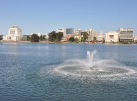 奥克兰市中心/梅里特湖美国最佳价值旅馆