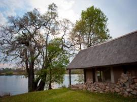 Hippo Lodge, Mulola