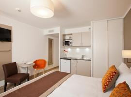 巴黎罗莎帕克斯公寓式酒店