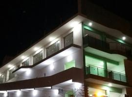鲍萨达曼克斯酒店