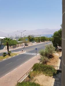 "Tzofit Street ""Walk to the Beach"" Deluxe Apartments"