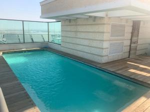 Veronique's Luxurious Penthouse