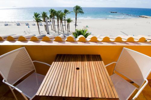 10 - Pisos de bancos primera linea de playa ...