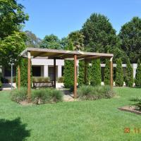 Grevillea Gardens Apartment 3