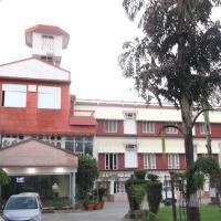 OYO 8955 Hotel Bobina