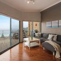 Avoca Heights House /// 4 BDR 2.5 BTH // Direct Ocean Views,位于阿沃卡海滩的酒店