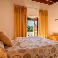 Espaciosa Villa Con Piscina Privada,位于圣米格尔港的酒店