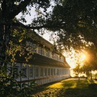 Hof Norderlück - Das Ostseehotel unter Reet,位于斯泰恩伯格的酒店