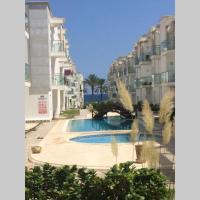 appartement avec piscine sur la mer residence Nadine,位于El Ahmar的酒店