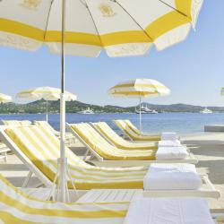 海滩酒店  74家海滩酒店位于米德尔克尔克