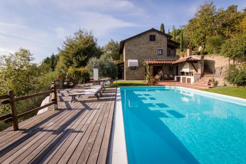 A paradise on the hill: Villa La Foce - wonderful pool with stunning view on the Valley