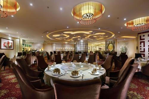 Grand Aston City Hall Hotel & Serviced Residences